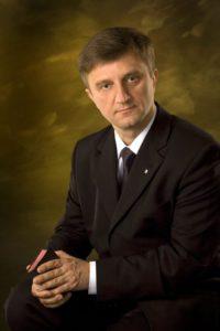 andrzej-malicki-superintendent-kosciol-metodystow-644x965